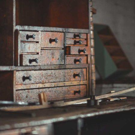 ¿Quieres restaurar un mueble antiguo? / Foto: Eric Parks